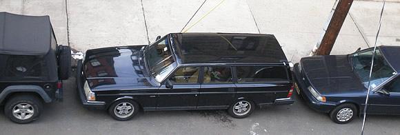 volvo-240-parking