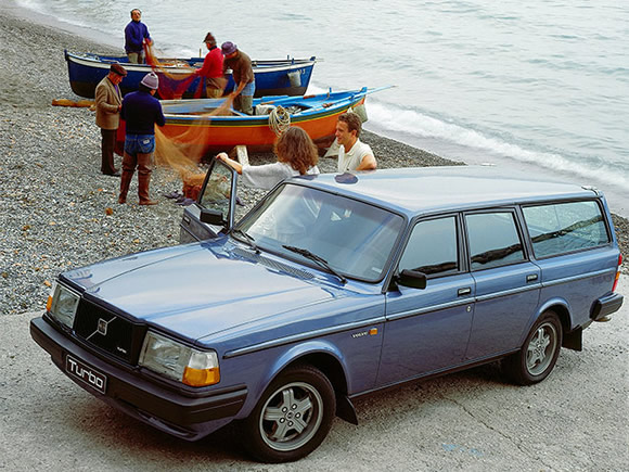 wired-wagons-volvo-240-turbo